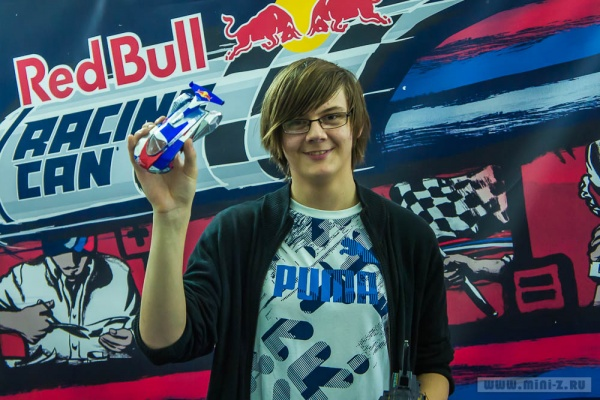 red_bull_racing_can_clas_moskow-002