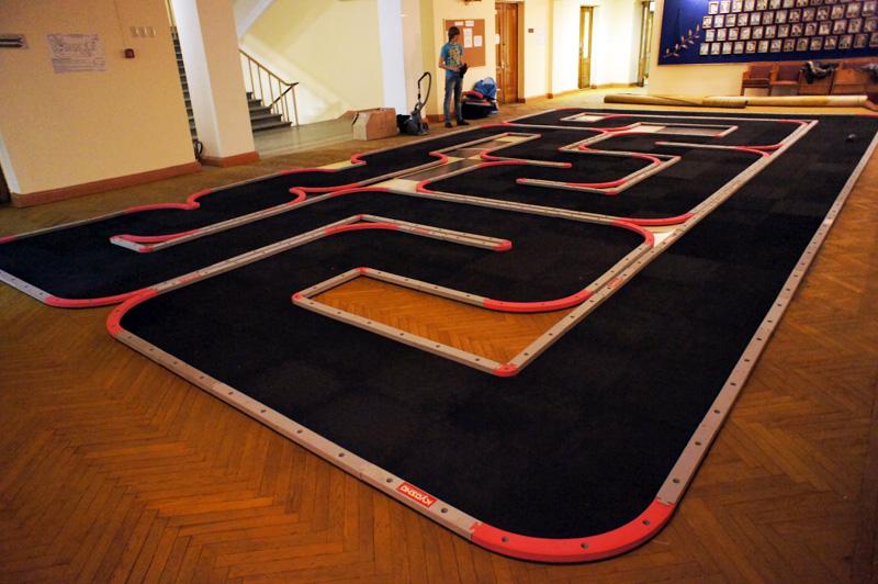 http://www.mini-z.ru/wp-content/gallery/2011/04/2011-04-14/track_001.jpg?1760421875