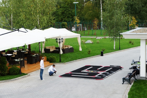 Трасса Mini-Z в отеле M'Istra'l