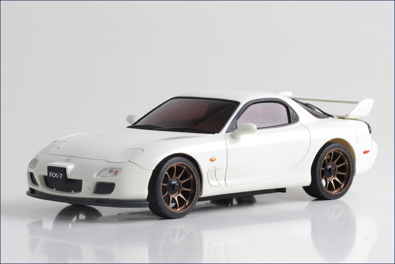 mazda_rx-7_fd_white_(r246-1143_90mm)