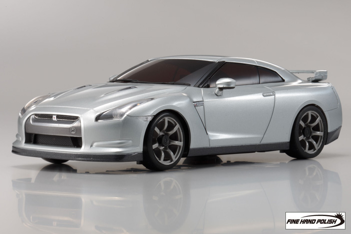 nissan_gt-r_r35_ultimate_metal_silver