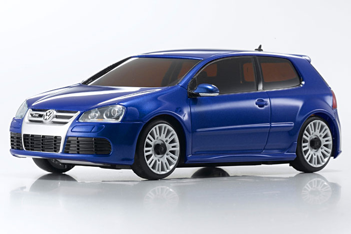volkswagen_golf_r32_metallic_blue